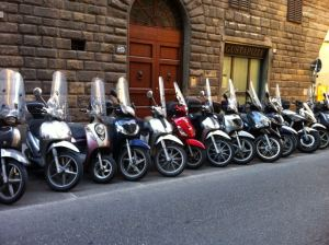 3._motorbikes_in_Florence
