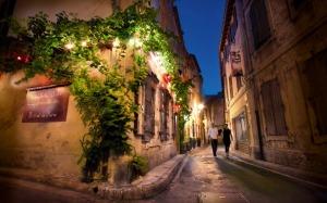 France-Saint-Remy-De-Provence-Night-Street-Scene-Desktop-Wallpaper
